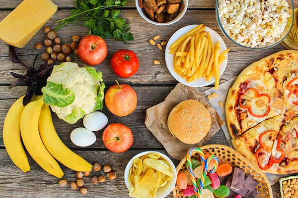 healthy food and unhealthy food pictured